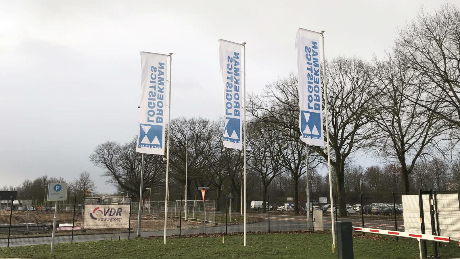 Vlaggenmast montage Broekman Nederland